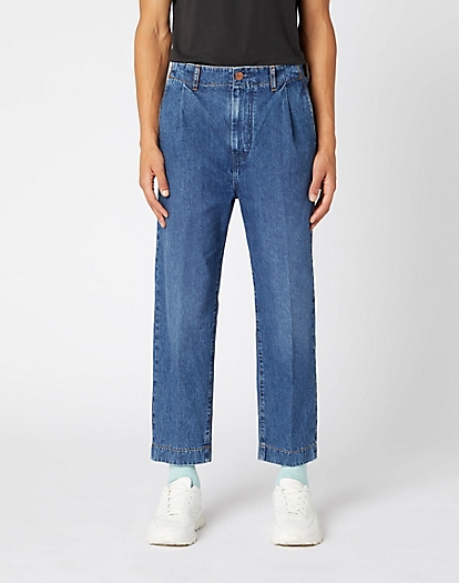 Pleated Chino Jeans in Phelps Blue