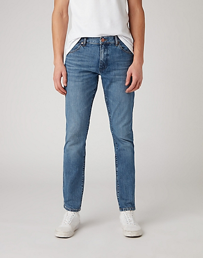 Larston Midweight Jeans in The Hero