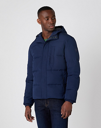 The Bodyguard Jacket in Navy