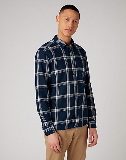 Long Sleeve One Pocket Shirt in Navy