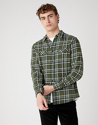 Two Pocket Flap Shirt in Rifle Green