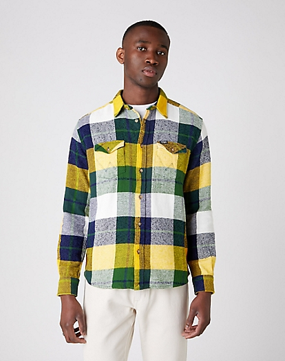 Long Sleeve Two Pocket Flap Shirt in Artichoke Green