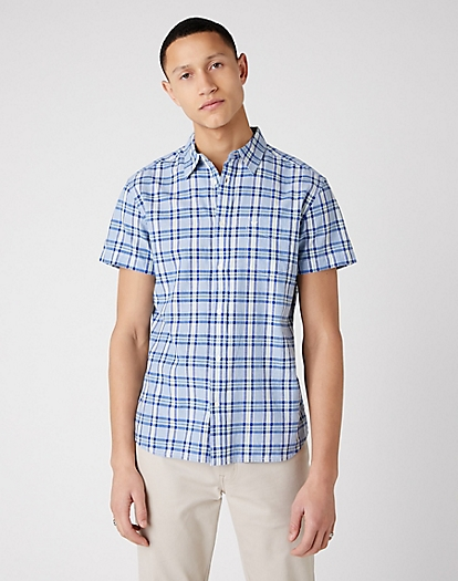 Short Sleeve One Pocket Button Down Shirt in Placid Blue