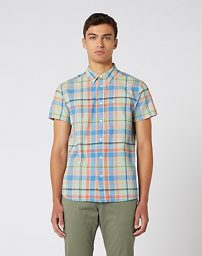 Short Sleeve One Pocket Shirt in Gossamer Green