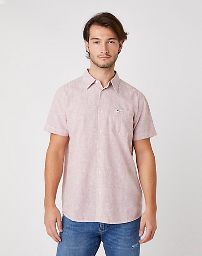 Short Sleeve One Pocket Shirt in Barn Red