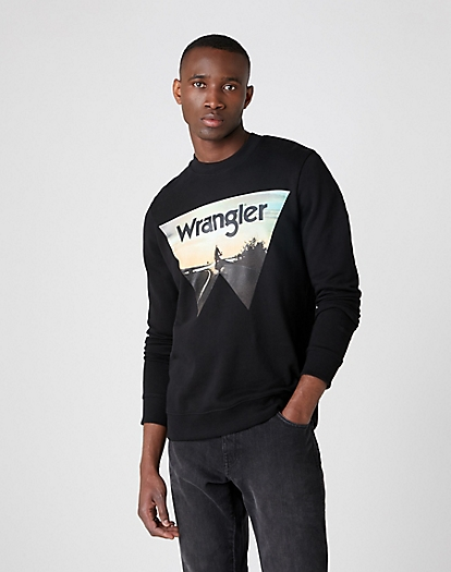 Explorer Sweater in Black